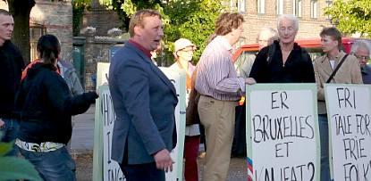 Demo at the Belgian embassy